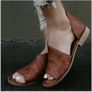 Shoes - RESTOCKED!!! Soft Vegan Leather Cut Out Shank Flat